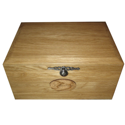 Solid Oak Memory Box 18mm Traditional Knob Cherry nameplate